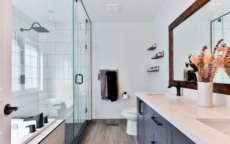 Kabina prysznicowa i brodzik prysznicowy