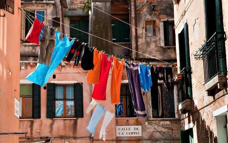 Jak prać ubrania ręcznie 2021